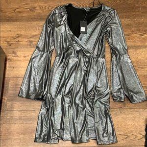 4/$20 NWT bell sleeve mini dress